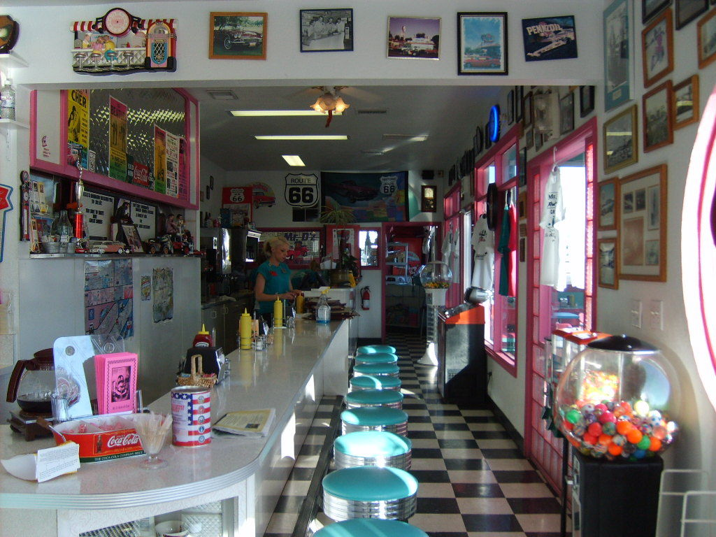 Kingman (AZ) United States  city pictures gallery : Mr dz route 66 diner kingman az united states 32664 1384110878
